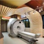 Безопасность МРТ: ожоги, «летающие» объекты и имплантаты
